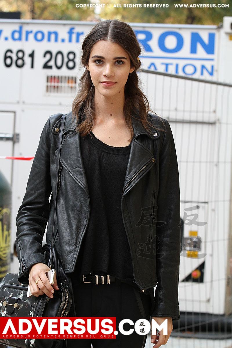 Pauline Hoarau tijdens de Paris Fashion Week zomer 2015, ph. Mauro Pilotto