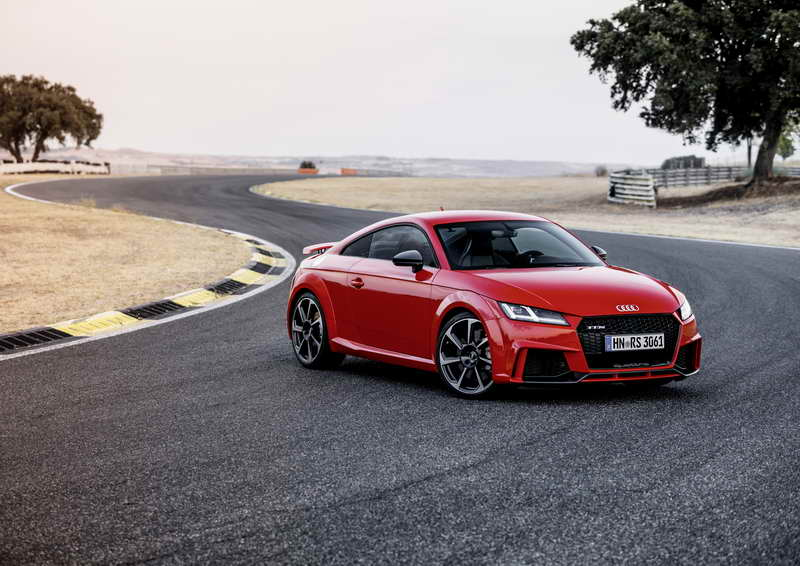 Topsporters: Audi TT RS Coupé & TT RS Roadster