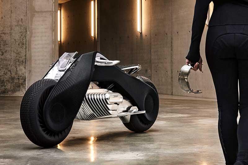 BMW Motorrad VISION NEXT 100: The Great Escape