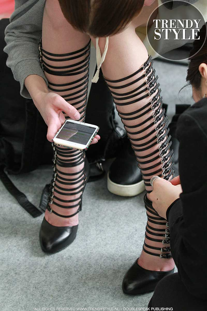 Bijzondere schoenen (tijdig beginnen met aantrekken)