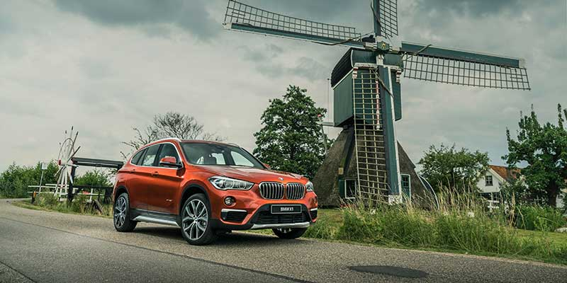 De BMW X1 Orange Edition