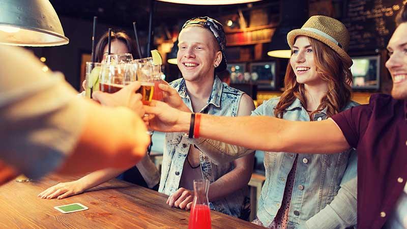 Alcohol. Maken de lege calorieën van alcoholische dranken dik?