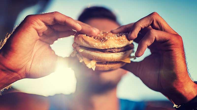 Junk food (vooral fast food) vergroot het risico op depressie