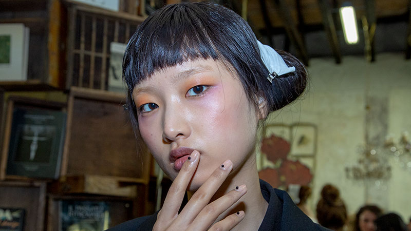 De magie van Antonio Marras. Ga mee backstage bij de Marras Fashion show herfst winter 2019 2020