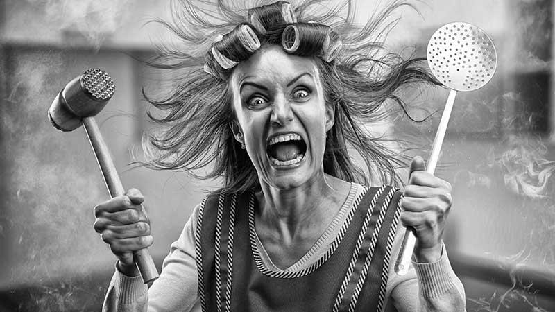 Vrouwen die alarmbellen doen rinkelen