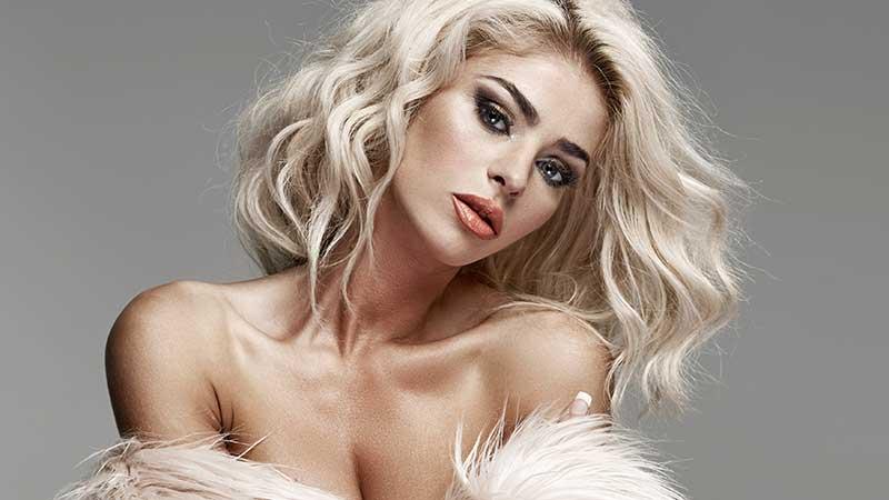 Waarom mannen op blonde vrouwen vallen (met lange benen, grote borsten en wespentailles :-)