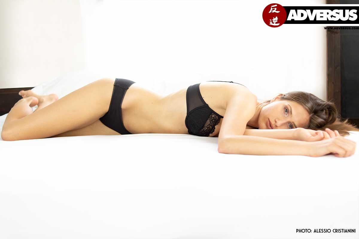 Ksenia ADVERSUS Cover Model - Photo Alessio Cristianini