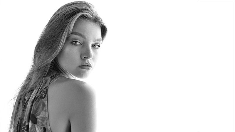 VERONA - ADVERSUS Featured Model - Photo Alessio Cristianini