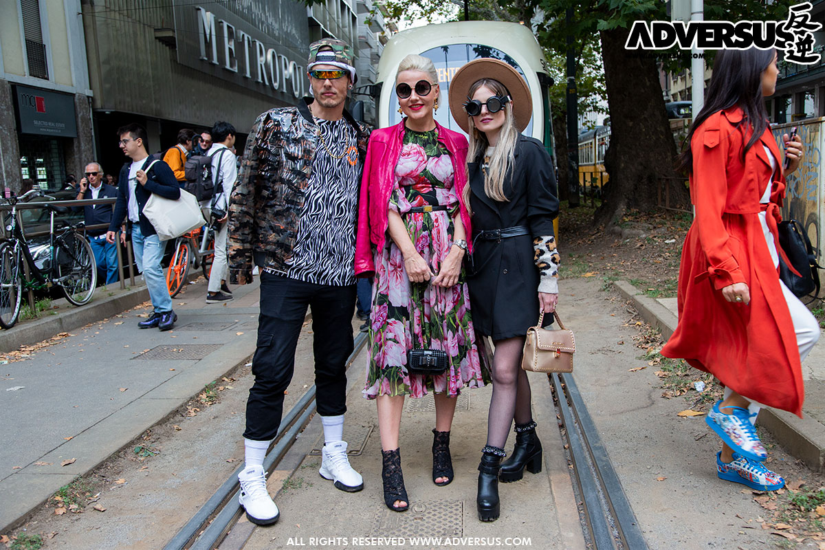 No comment @ Street style Dolce & Gabbana Summer 2020 Milano