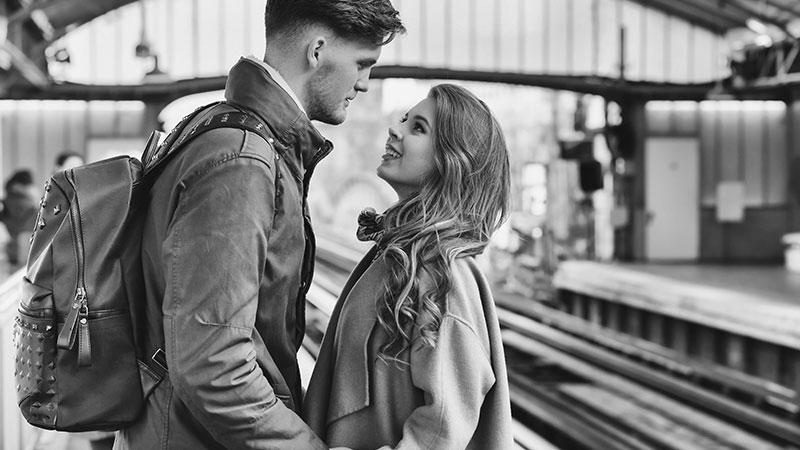 Liefde op afstand. Hoe houd je een relatie op afstand levendig?