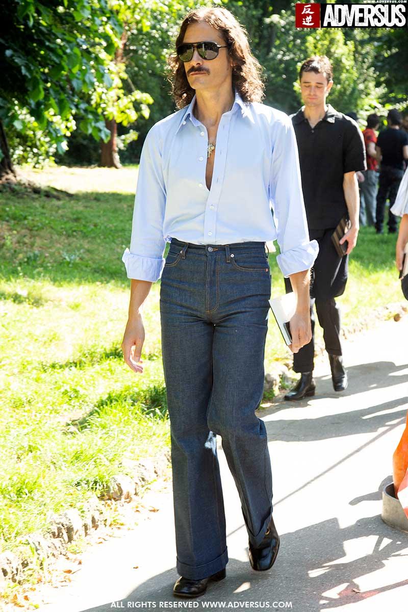 Streetstyle mode. Retro spijkerbroek