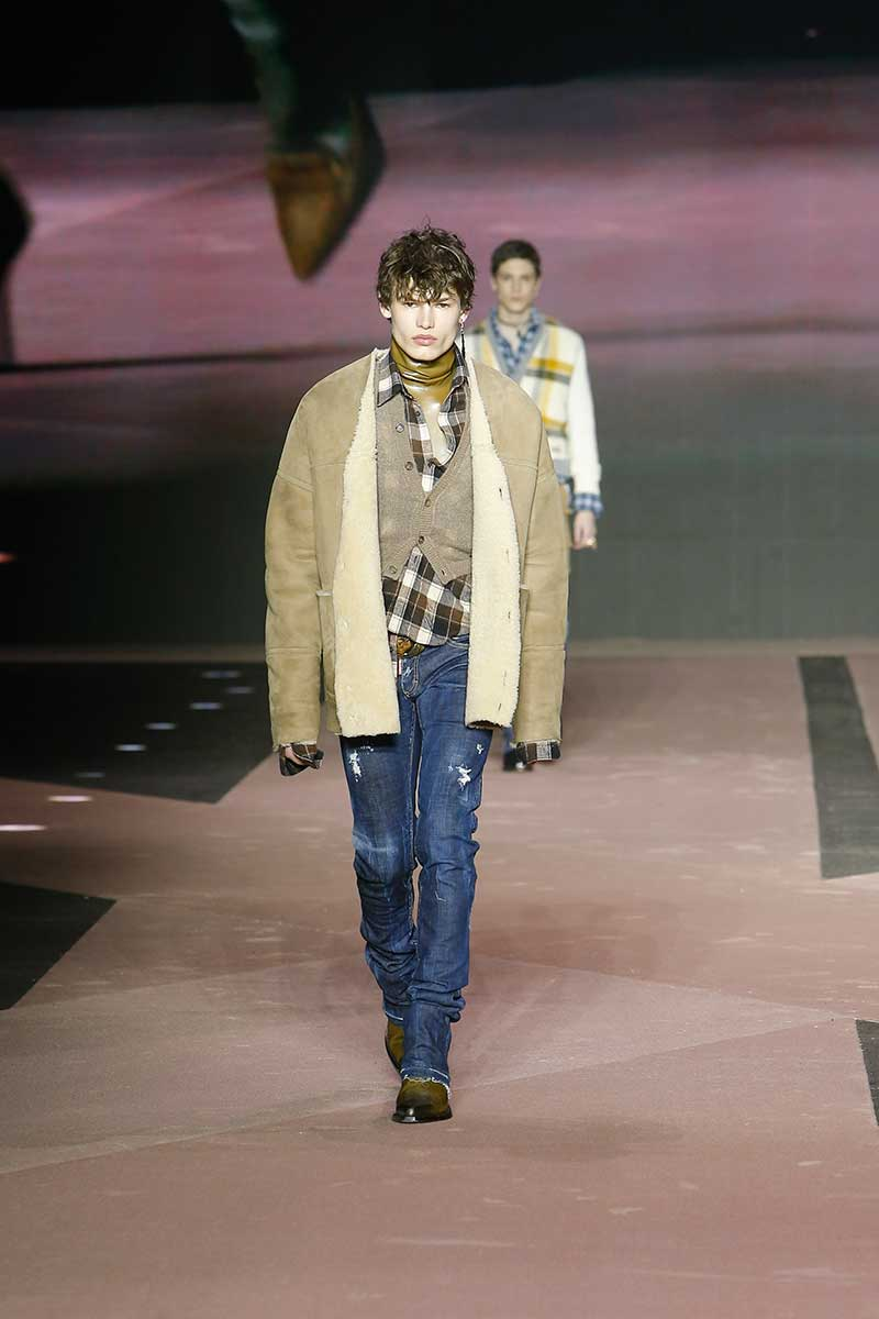 Modetrends man winter 2020. Stoere denim looks (en meer). Modeshow: Dsquared2. Photo: courtesy of Dsquared2