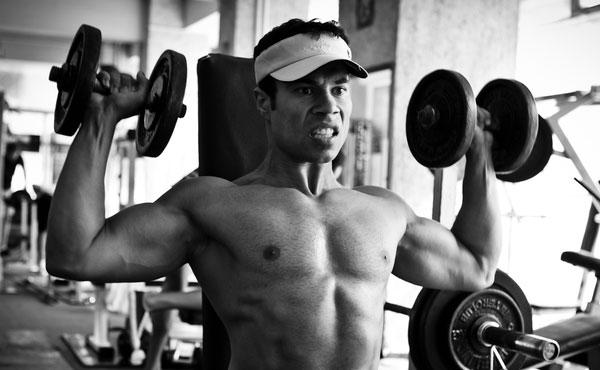 Brede, sterke en sexy schouders met één enkele oefening? Dat kan!