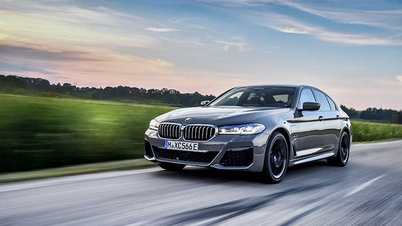 De nieuwe BMW 545e xDrive Sedan