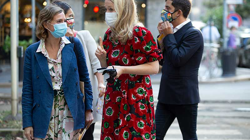 Milan Fashion Week zomer 2021. Modetrends en streetstyle mode