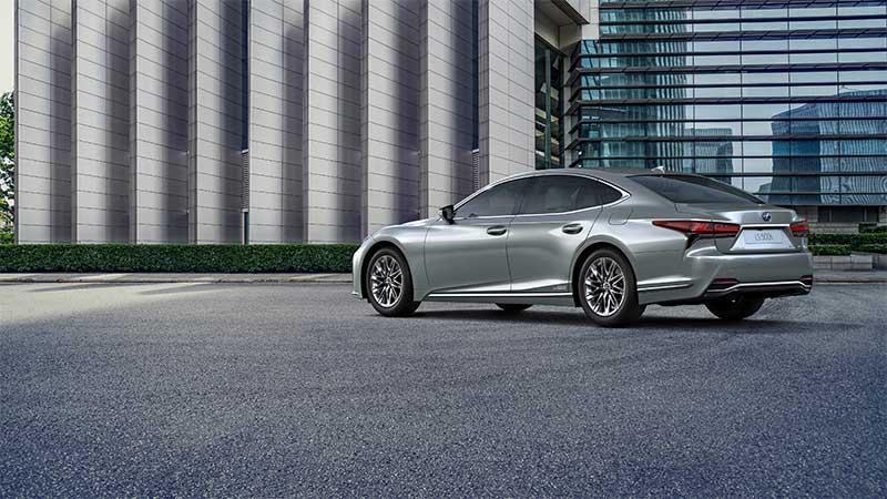 De ultieme limousine verder verfijnd: de nieuwe Lexus LS