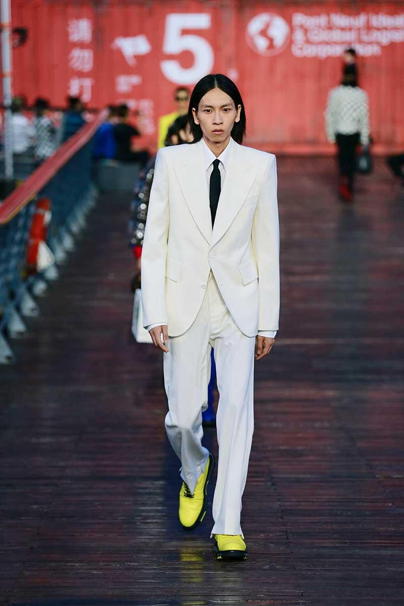 Modetrends lente zomer 2021. Cartoons en zwart-witte ruiten voor Louis Vuitton