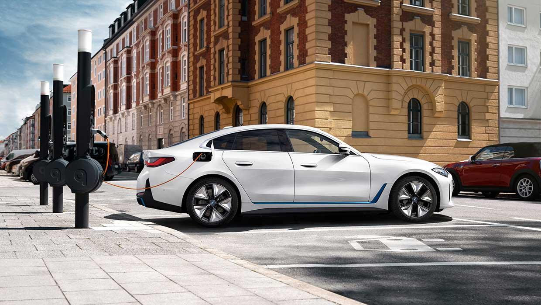 De allereerste BMW i4
