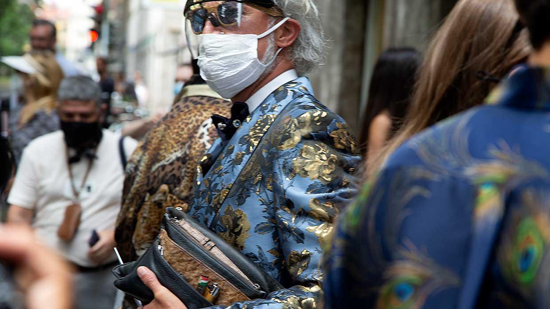 Mannen shows. De eerste streetstyle beelden van de Milan Fashion Week zomer 2022